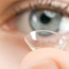 Lo que no debes hacer si usas lentillas