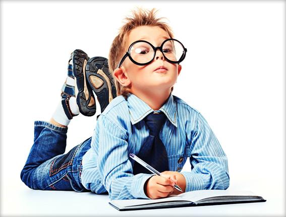 Niño-con-gafas